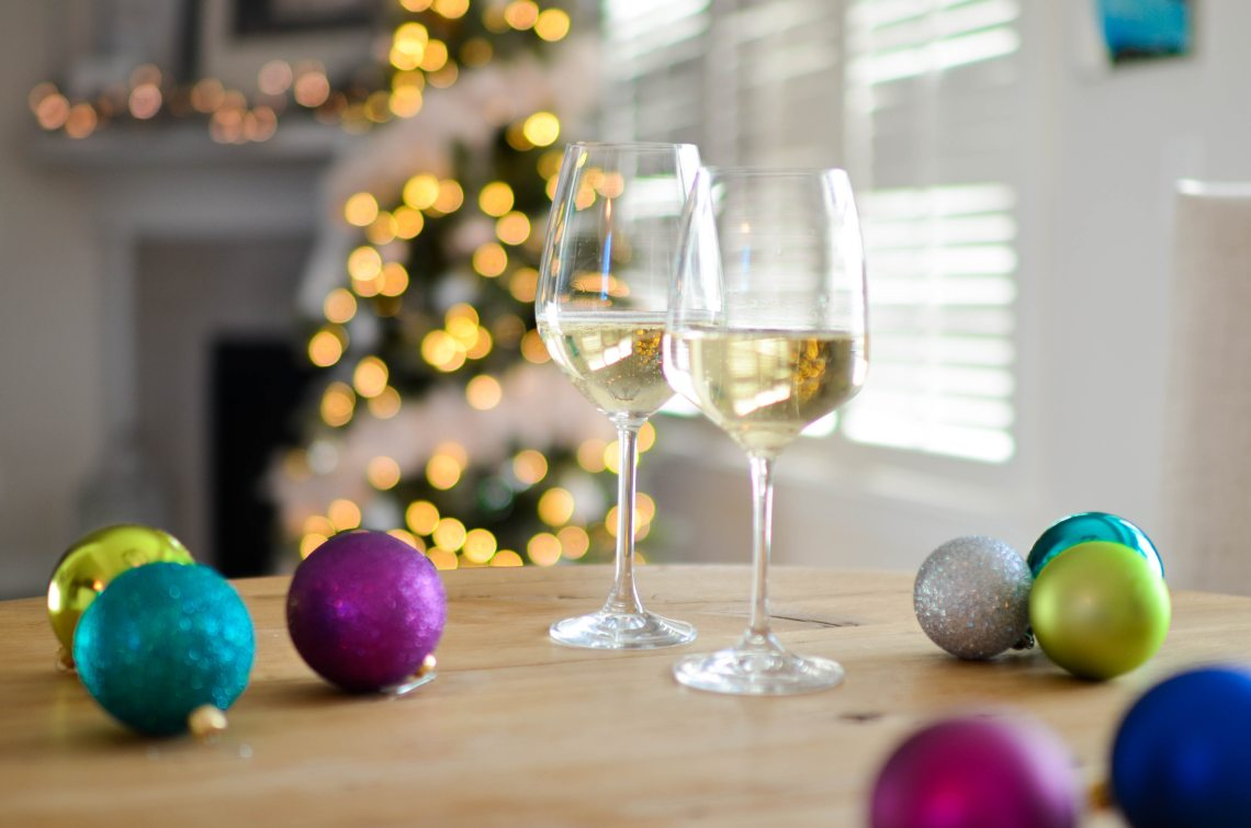 alcohol-background-baubles-712324